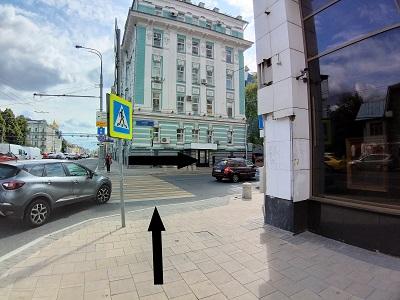 Поворот на улицу Дурова